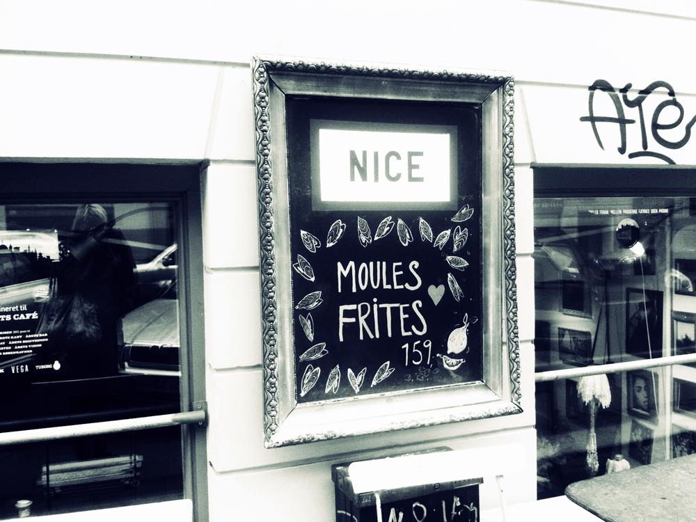 Moules Frites im Café Nice