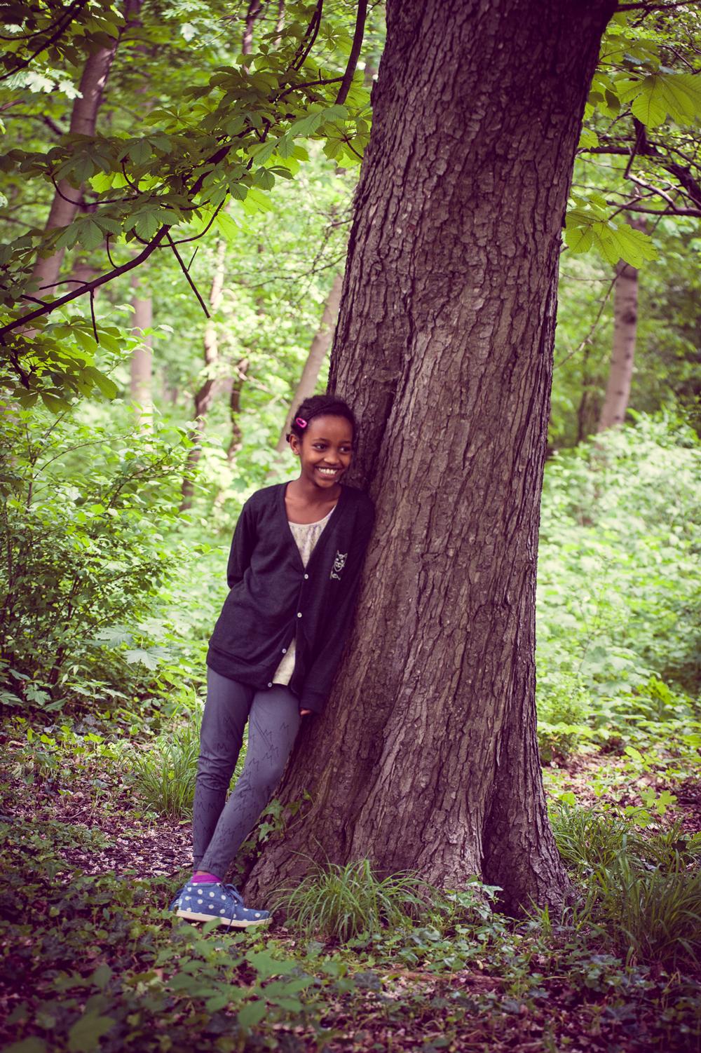 Rufus auf American Apparat Jäckchen im Wald
