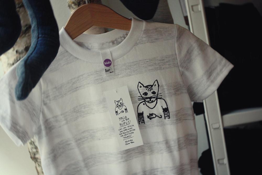 Das gestreifte Rufus-Shirt im Schaufenster