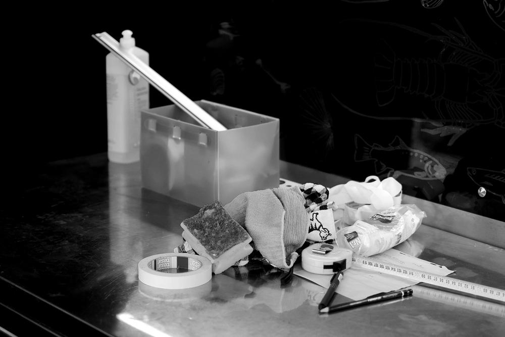 Werkzeug zum Putzen, Messen, Schreiben