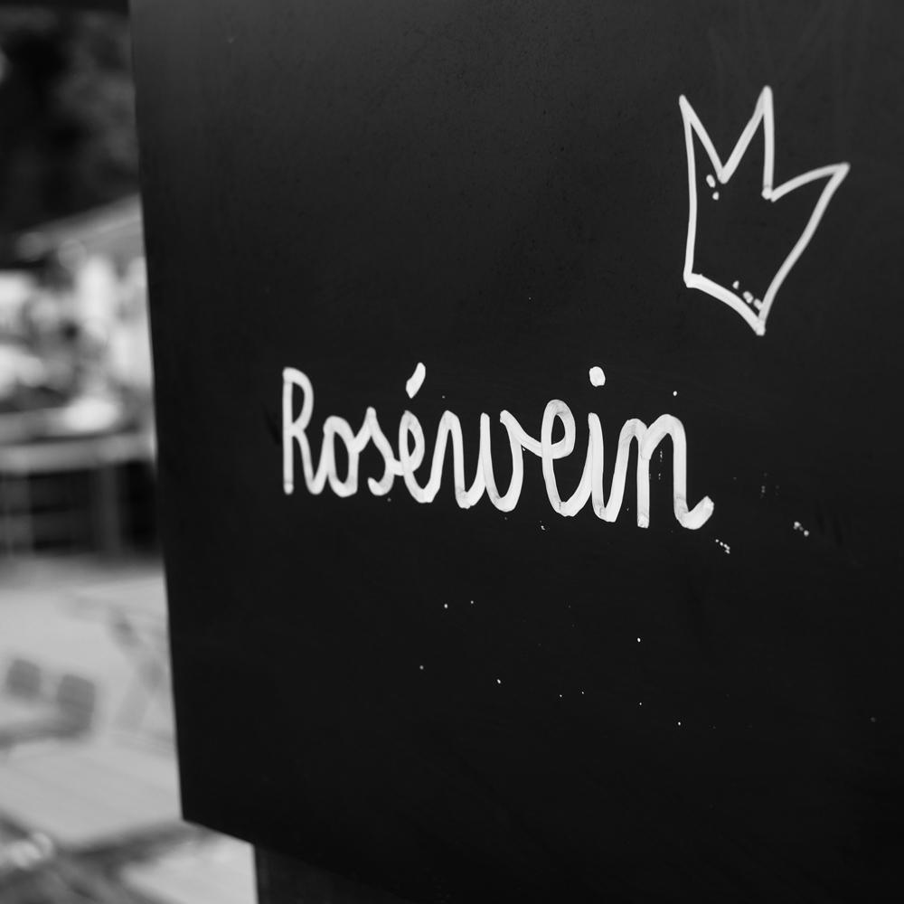 Roséwein mit Krönchen