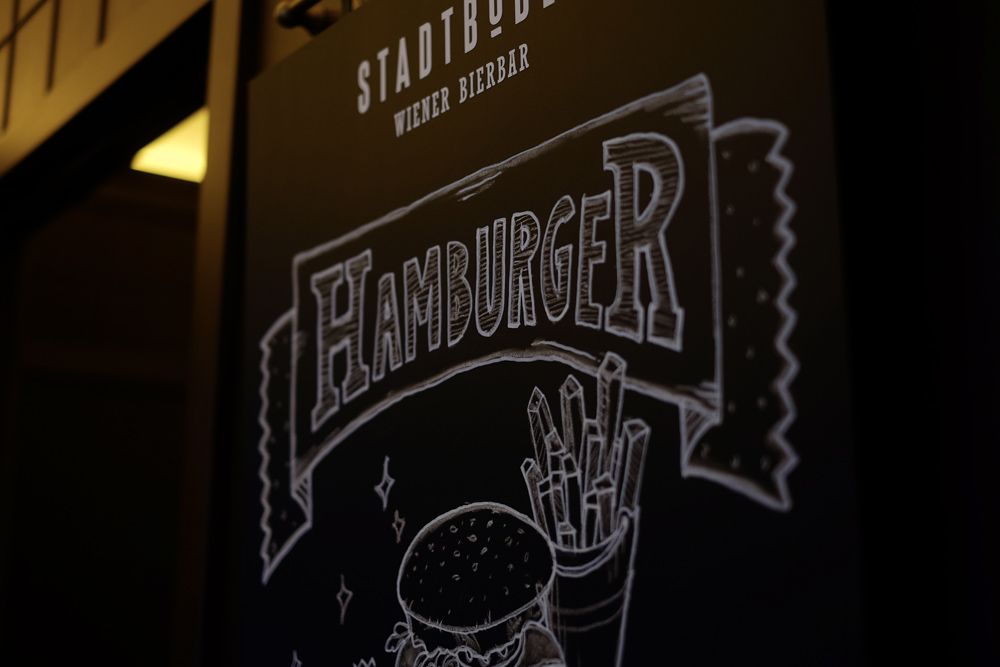 Die Hamburger-Tafel aus der Nähe