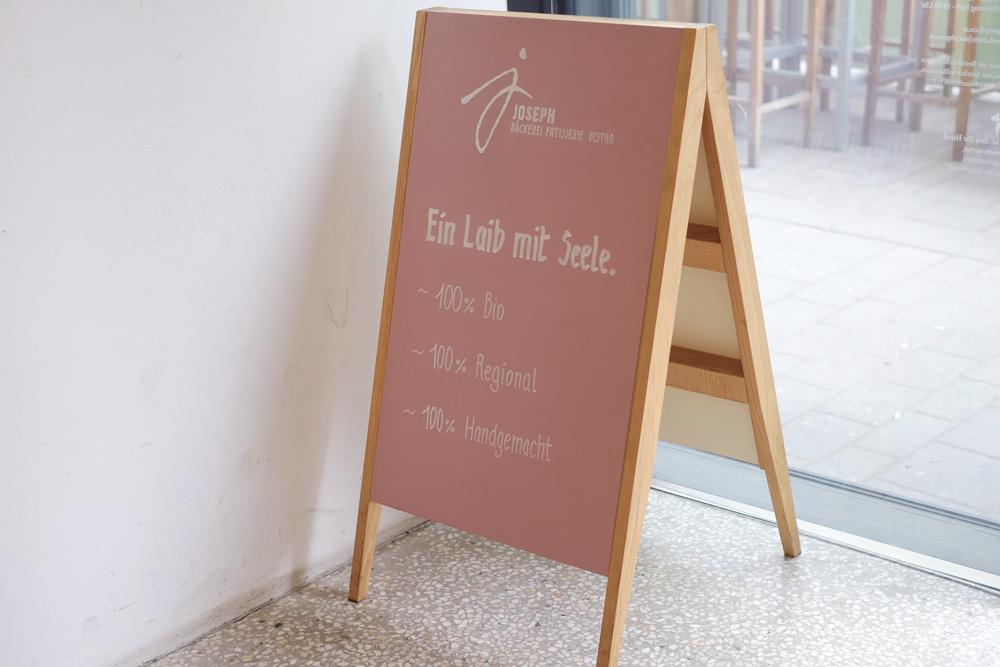 elvira-stein-lettering-joseph-genuss-landstrasse-aufsteller