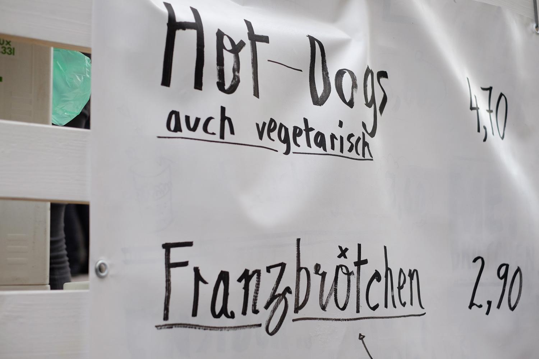 Hot-Dogs! Franzbrötchen!