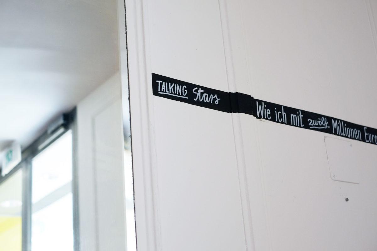 Der Spiegel im Foyer und meine Schrift